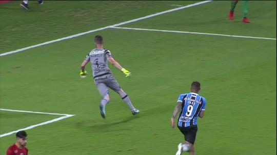 "Herói, Grohe vibra com título da Recopa: ""Grupo na história do Grêmio"""