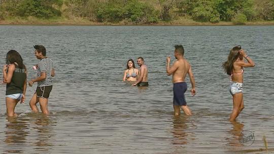 Visitantes pedem salva-vidas e instalação de banheiro na Represa do 29