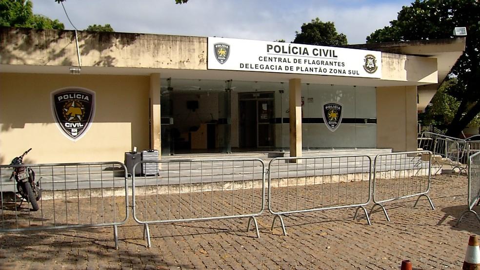 Jovem prestou depoimento na Delegacia de plantão da Zona Sul de Natal (Foto: Reprodução/Inter TV Cabugi)