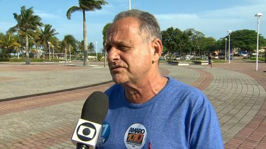 Carlos Manato fala sobre tratamento de lixo em dia de campanha no ES