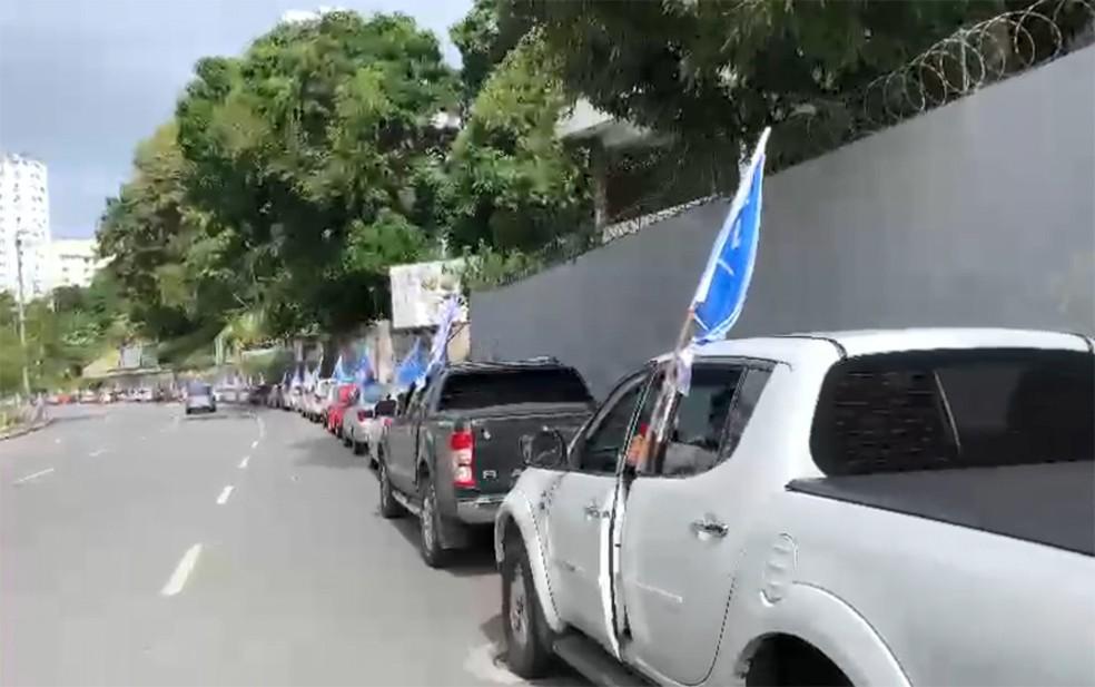 Carreata saiu do Vale do canela e seguiu com destino ao bairro do Imbuí — Foto: Divulgação/Sindicato dos Bancários da Bahia