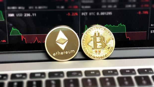 Criptomoedas Bitcoin e Ethereum (Foto: David McBee/Pexels)