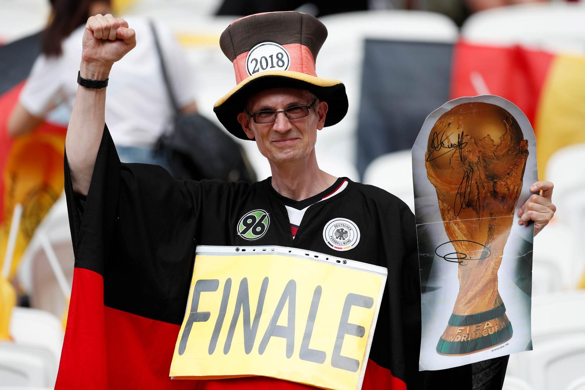 Copa do Mundo: 32 países, 32 torcedores loucos por suas seleções; FOTOS