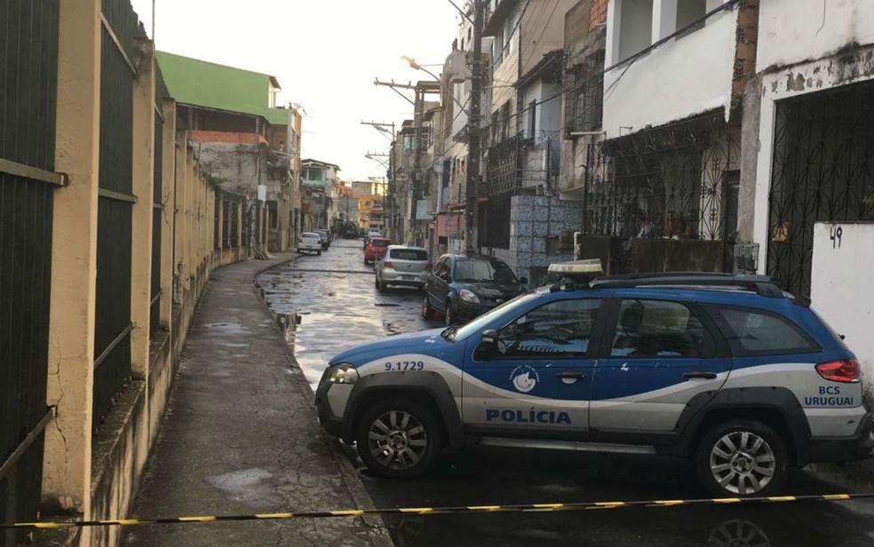 Rua foi interditada após a situação  (Foto: German Maldonato/TV Bahia)