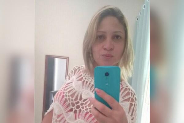 Márcia Oliveira de Aguiar, mulher de Fabrício Queiroz