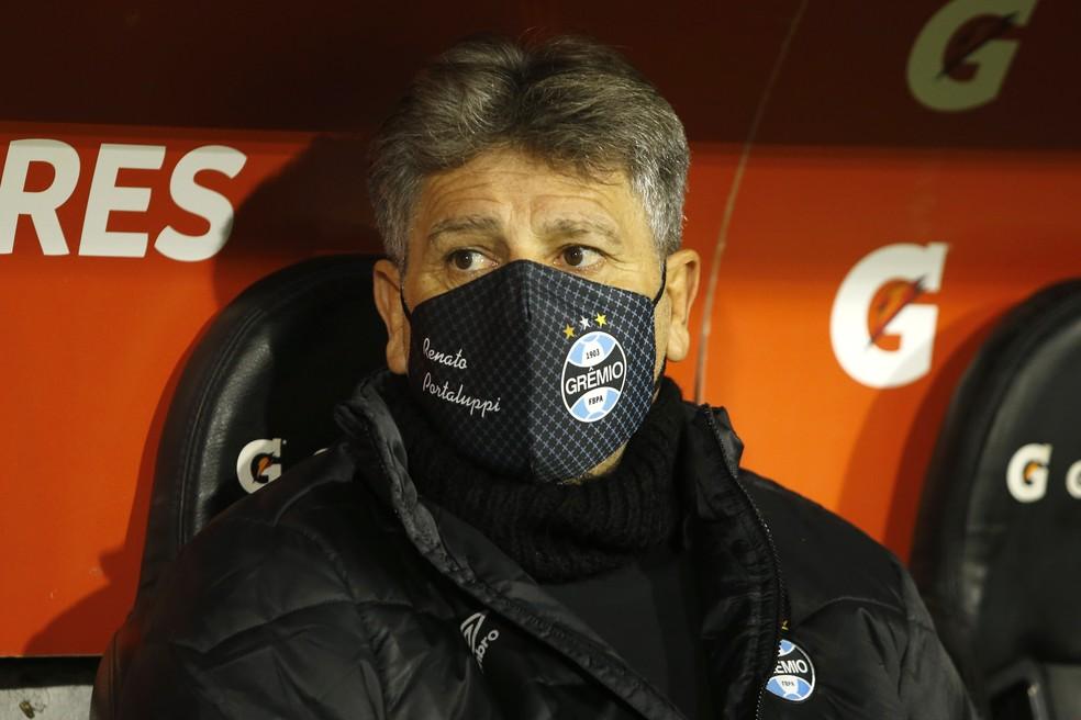Renato Portaluppi em derrota do Grêmio no Chile — Foto: Staff images/Conmebol