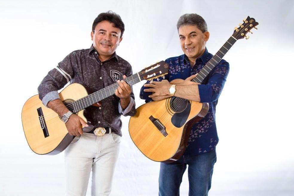Dupla 'Os Nonatos' é formada por um paraibano e um cearense  (Foto: Os Nonatos/Divulgação)
