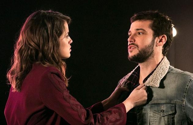 Em 'Haja coração', outro casal ganhou repercussão nas redes sociais: Camila (Agatha Moreira) e Giovanni (Jayme Matarazzo) (Foto: Isabella Pinheiro/Gshow)