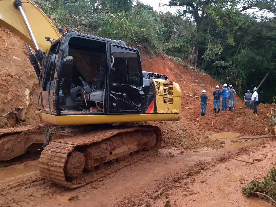 Abertura de estrada bloqueada por deslizamento de terra é adiada em Ilhabela, SP - Noticias
