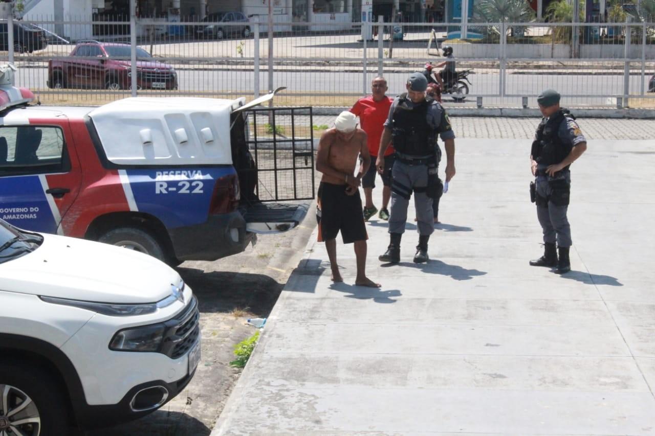 Na frente da esposa, flanelinha é morto a pauladas durante briga em Manaus; suspeito do crime é preso  - Notícias - Plantão Diário