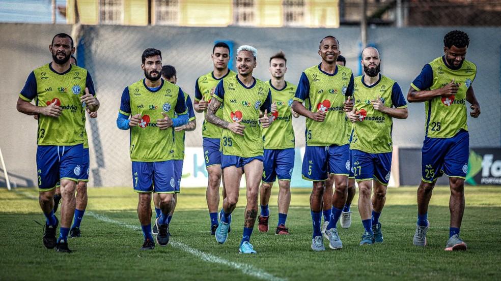 Elenco do Confiança se reapresenta e inicia preparação para duelo contra o Vasco — Foto: Lucas Almeida/ADC