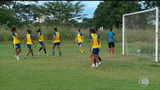 """Nova atacante do Tigre, Fernanda não vê peso em substituir Valéria: """"Confiança"""""""