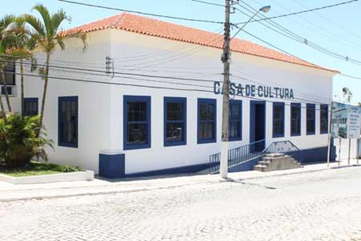 Casa de Cultura de Araruama, RJ, recebe exposição de alunos da rede municipal