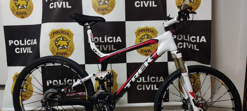 Uma das bicicletas encontradas com o homem preso em Natal — Foto: Divulgação