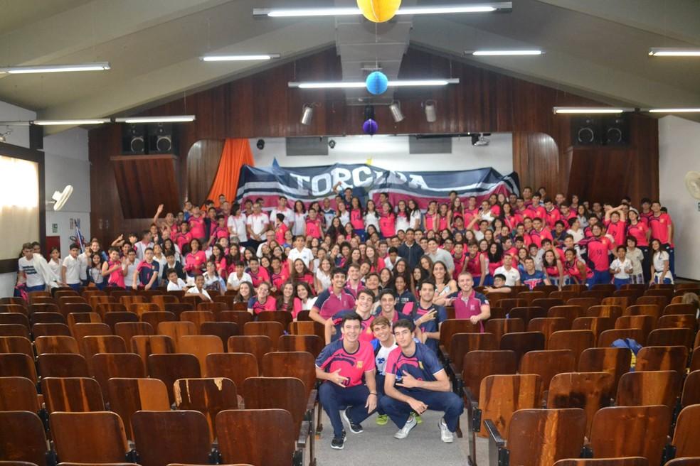 Colégio das Neves reúne alunos e professores e apresenta novo