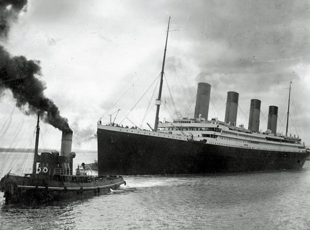 Foto divulgada em 2016 mostra a saída do navio Titanic, em 10 de abril de 1912  — Foto: AFP/Southampton City Council