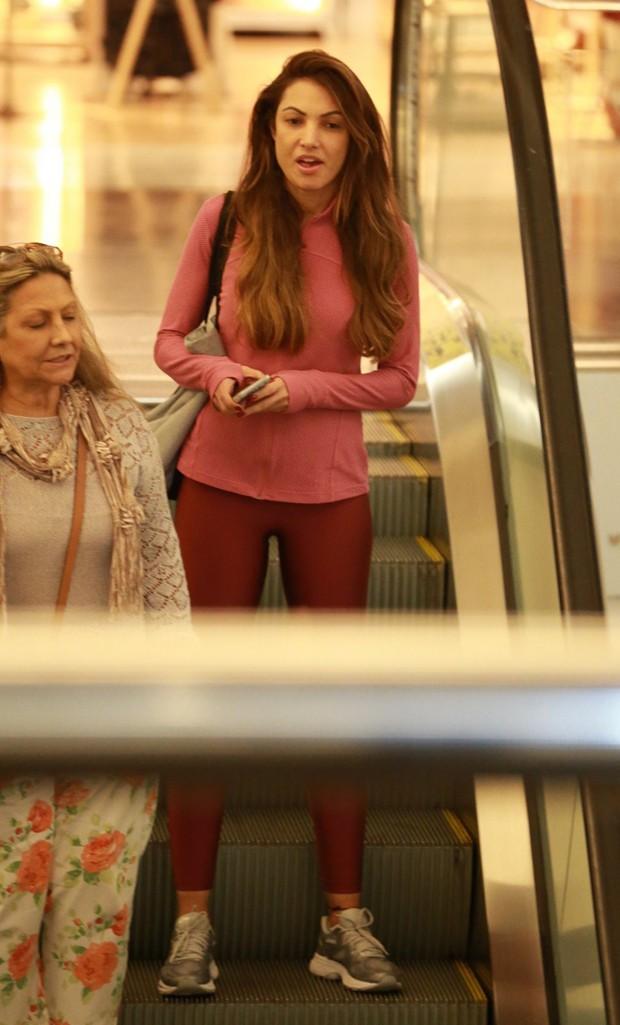 Patrícia Poeta e a mãe (Foto: Thiago Martins/AgNews)