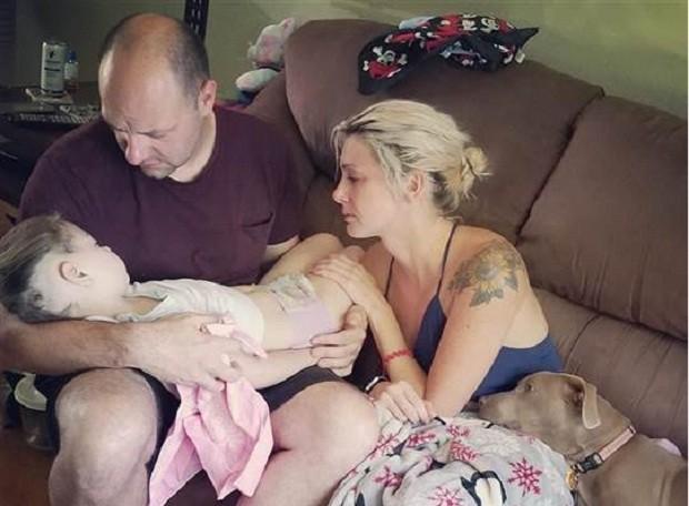 Zoey, 5, faleceu após dois anos lutando contra um raro e inoperável tumor (Foto: Reprodução/Facebook)
