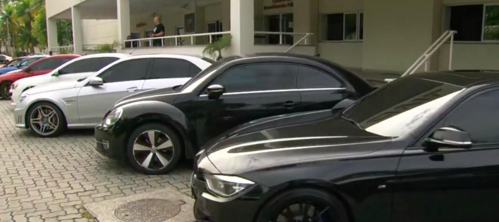 Avaliados em R$ 5 milhões, carros de luxo apreendidos em operação no RJ podem ir a leilão