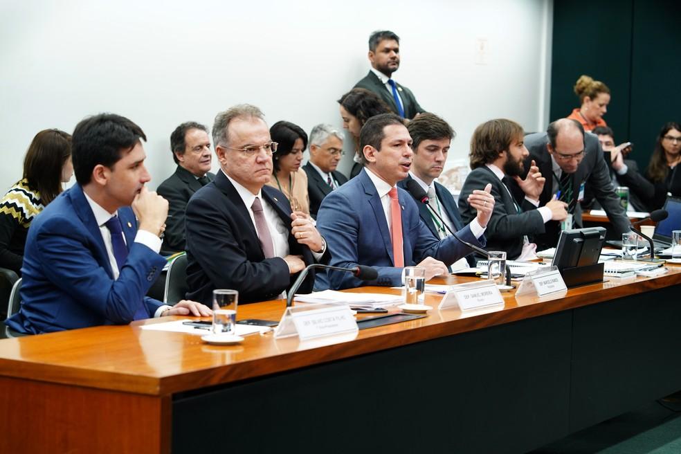 O deputado Marcelo Ramos (PL-AM) na abertura da sessão na comissão especial da Previdência na Câmara dos Deputados — Foto: Pablo Valadares/Câmara dos Deputados