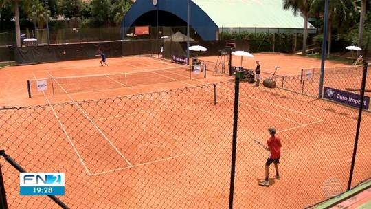 PP Open reúne amantes do tênis, faz atleta matar saudade do país e gera chance única a amadores