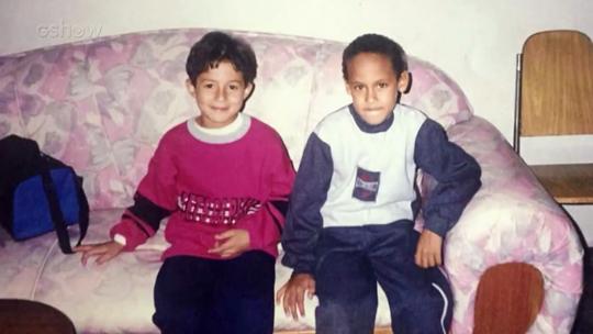 'Caldeirão': Neymar refaz foto do passado ao lado de amigo de infância