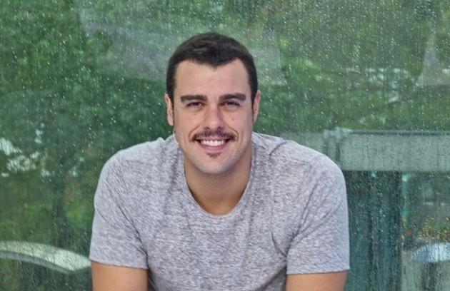 Joaquim Lopes passou a apresentar o 'Video show' em 2016. Passou um período fora para se dedicar à novela 'Orgulho e paixão' e retornou ao programa em novembro de 2018 (Foto: Reprodução)