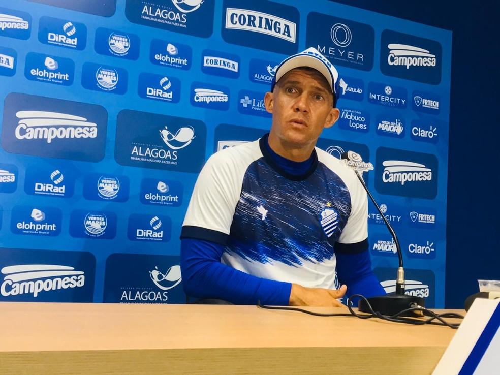 Eduardo Baptista elogia João Paulo — Foto: Viviane Leão/TV Gazeta