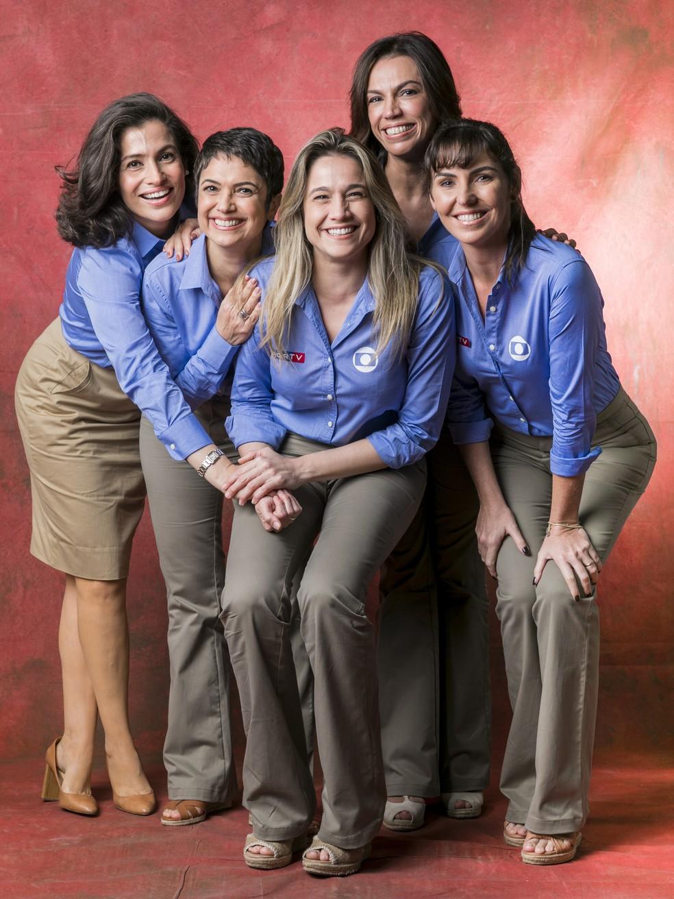 Fernanda Gentil (ao centro) com Renata Vasconcellos, Sandra Annemberg, Ana Paula Araújo e Glenda Kozlwoski  (Foto: João Miguel Junior / Globo)