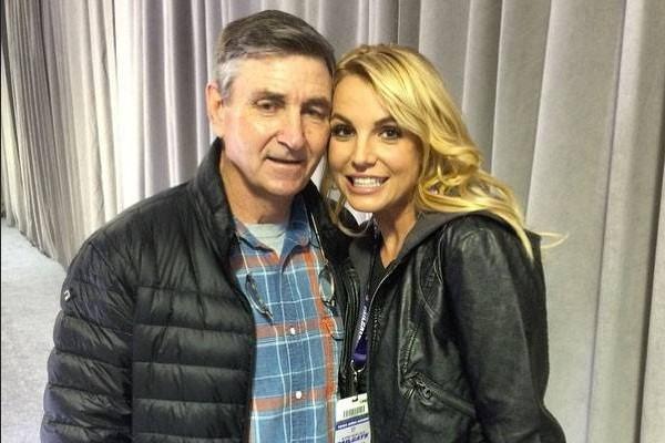 Britney Spears se recusa a trabalhar enquanto pai tiver a sua tutela, revela revista - Monet | Celebridades