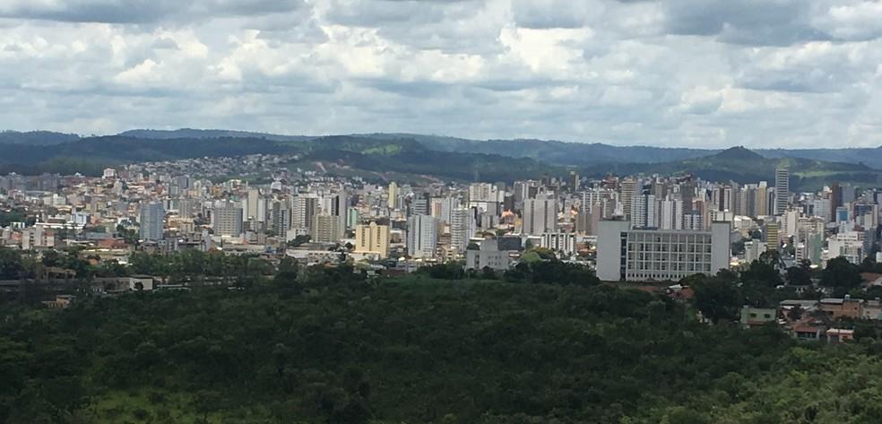 -  Com a sanção da lei, Divinópolis é oficialmente o Polo da Moda  Foto: Carina Lelles/G1