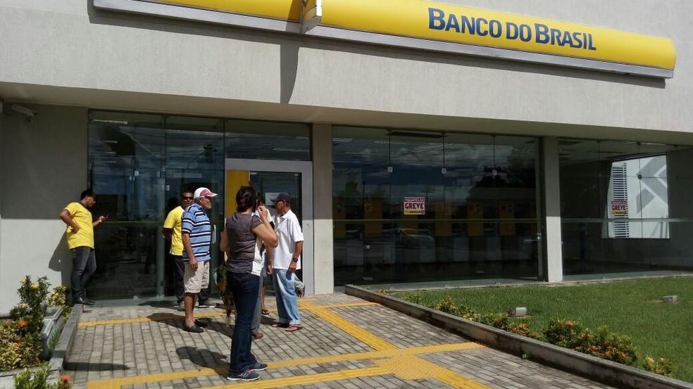 Agências bancárias de Natal e Parnamirim estão sem atendimento ao público por causa da greve dos vigilantes (Foto: Lamonier Araújo/Inter TV Cabugi)