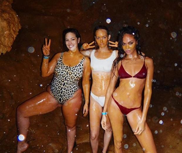 Ashley, Amber Valetta e Joan Smalls na Jamaica (Foto: reprodução / instagram)
