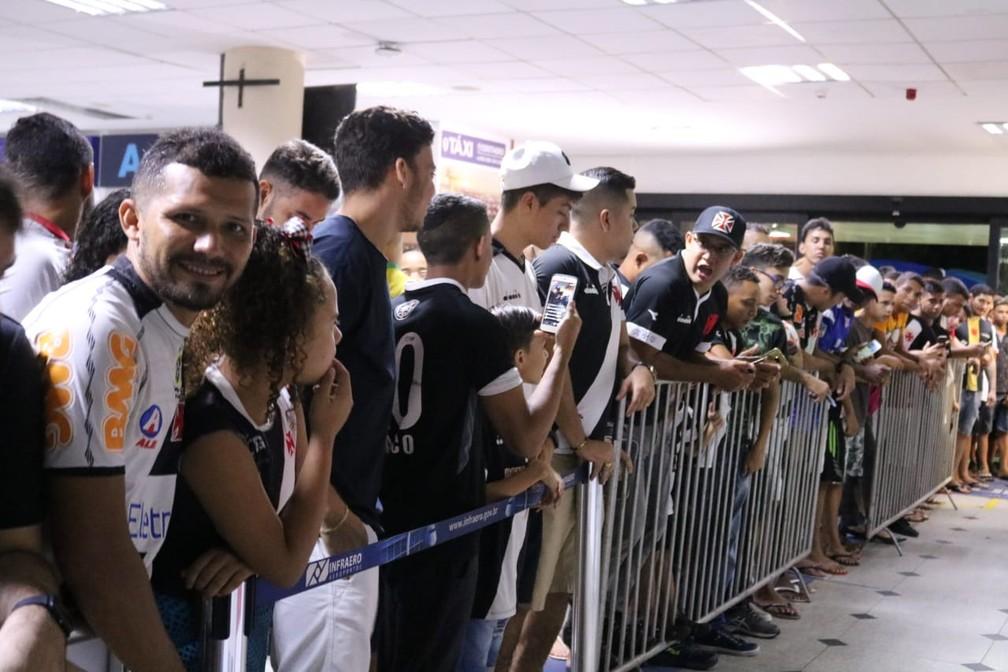 Desembarque do Vasco em Teresina para a Copa do Brasil — Foto: Stephanie Pacheco/GloboEsporte.com