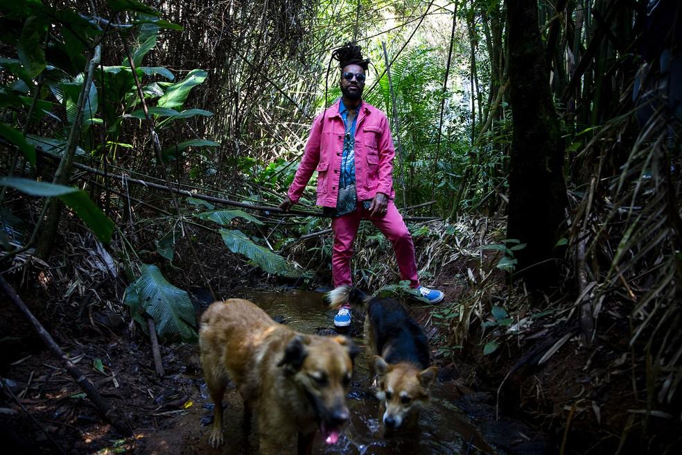 Rael lança o álbum 'Capim-cidreira' após ter enfrentado período de depressão — Foto: João Wainer / Divulgação