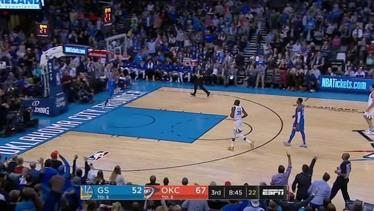 Em jogo quente, Westbrook bate Durant e lidera vitória do Thunder sobre os Warriors