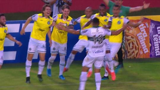 Vitória 1 x 2 Coritiba: assista aos melhores momentos e gols da partida