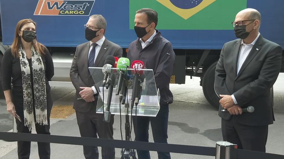 Governador João Doria acompanha liberação de novo lote de doses da CoronaVac — Foto: Reprodução/TV Globo