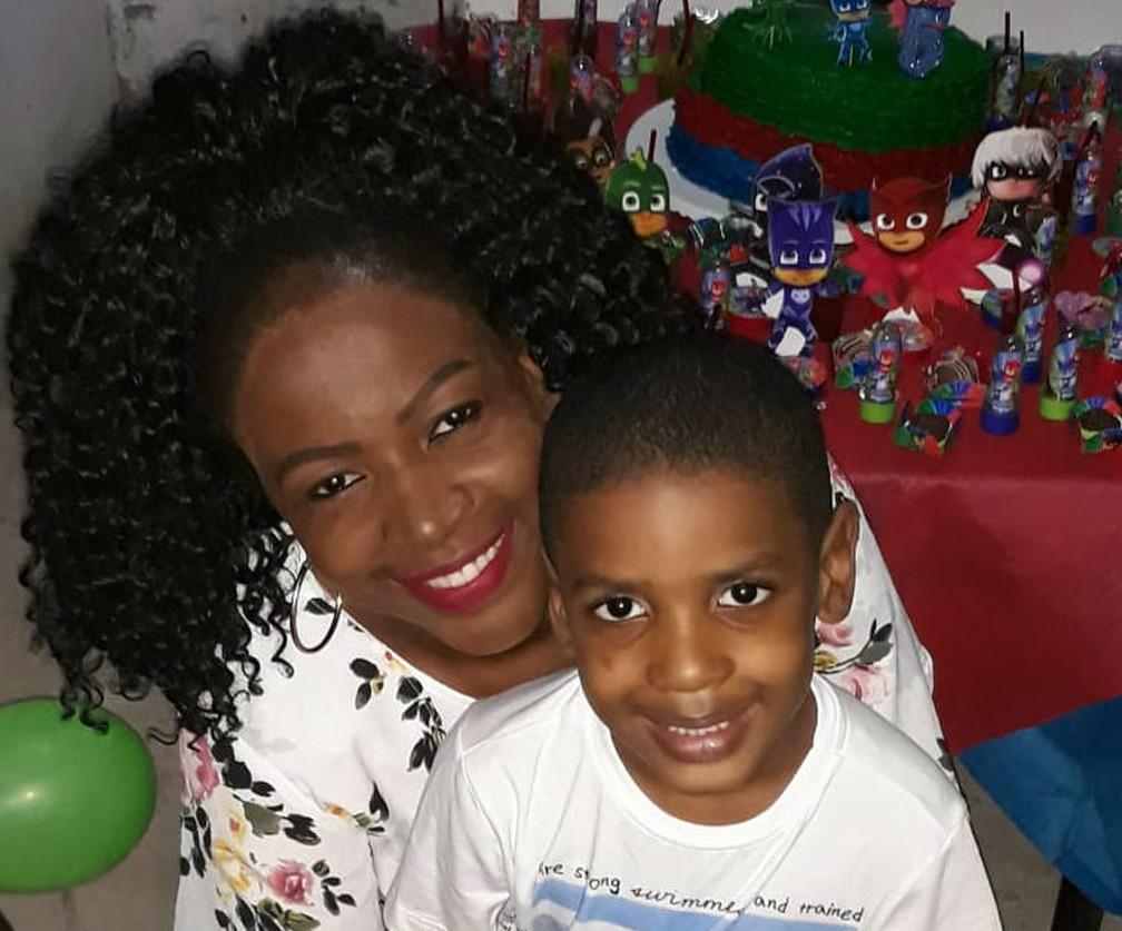 Elaine Góes tenho 31 anos e é mãe de Lucas Góes, de 5 anos. — Foto: Arquivo Pessoal