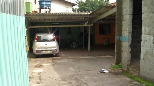 Família encontra bebê morto na garagem de casa em Itaquaquecetuba