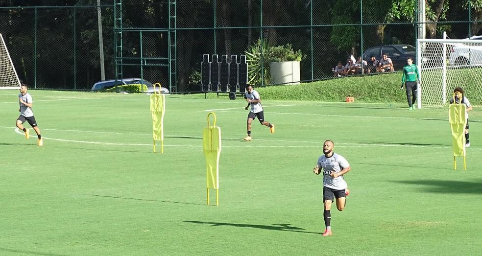 Time do Atlético-MG fez uma atividade tática nesta sexta-feira (Foto: Guilherme Frossard)