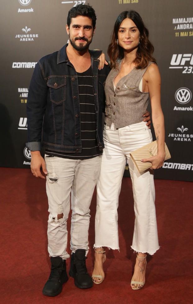 Renato Góes e Thaila Ayala (Foto: AgNews)