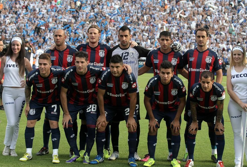 Kannemann não posou para a foto oficial do San Lorenzo  (Foto: San Lorenzo / DVG)