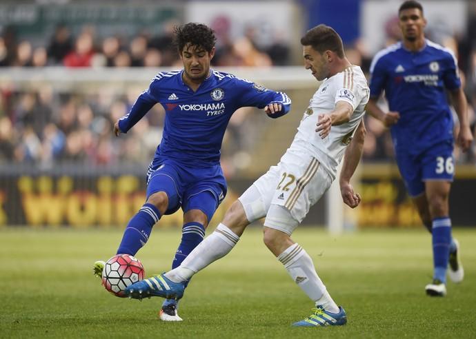 Pato em Swansea x Chelsea (Foto:  Reuters / Rebecca Naden )