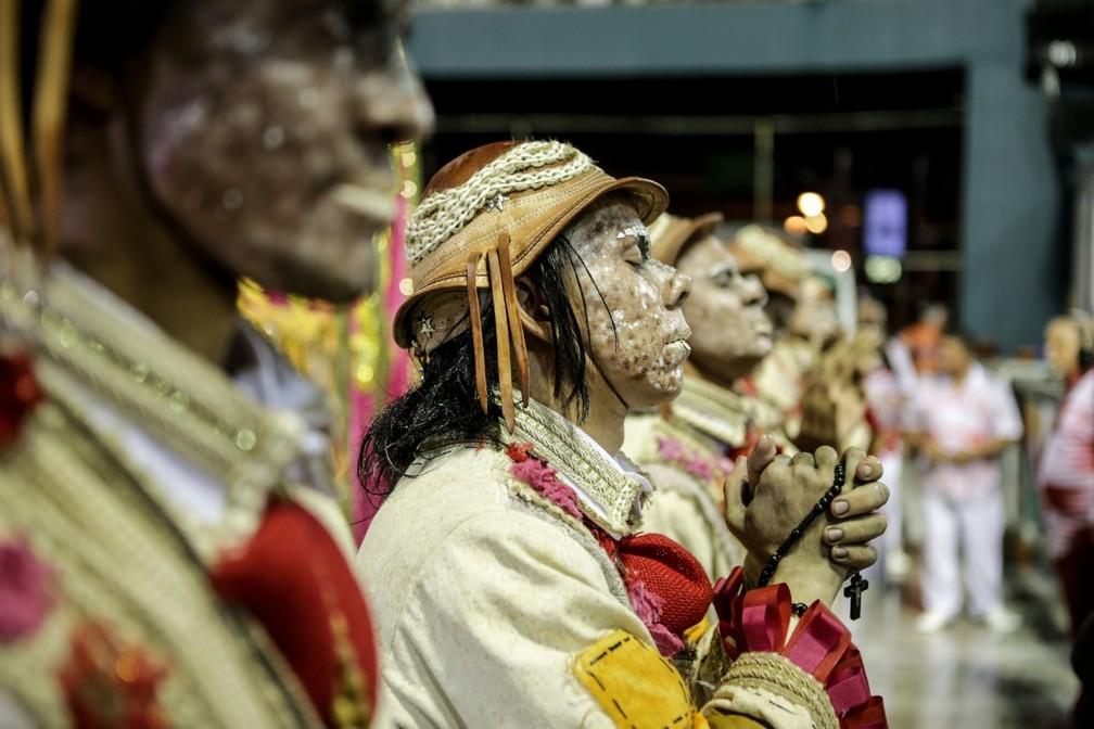 Comissão de Frente de Padre Miguel na Série A do Carnaval 2019 — Foto: Rodrigo Gorosito