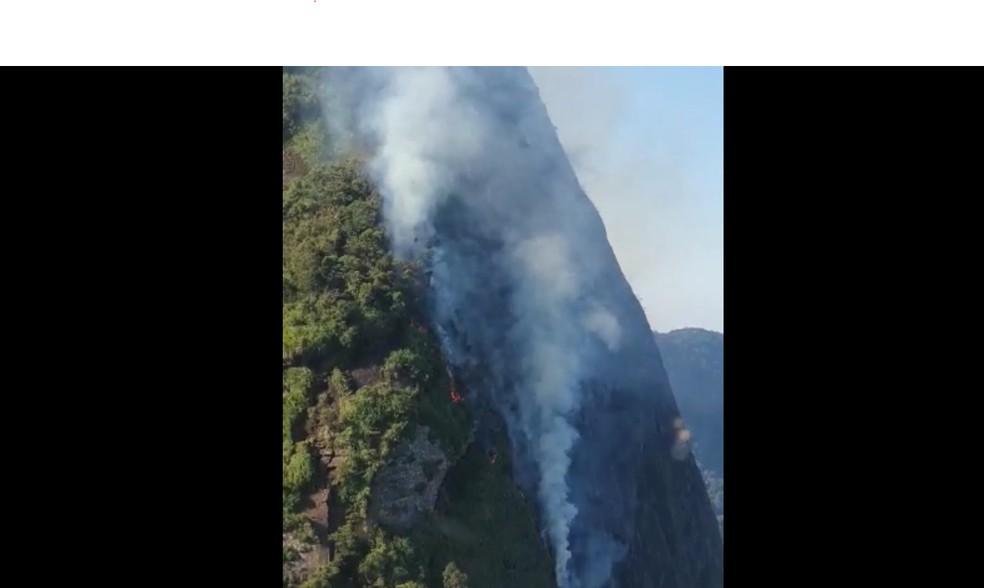 Incêndio na Pedra da Gávea — Foto: Divulgação/Corpo de Bombeiros