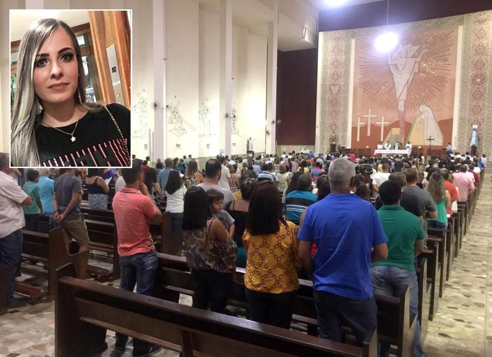 Caso Mariana: missa de 7º dia atraiu multidão de moradores em Bariri — Foto: Arquivo pessoal