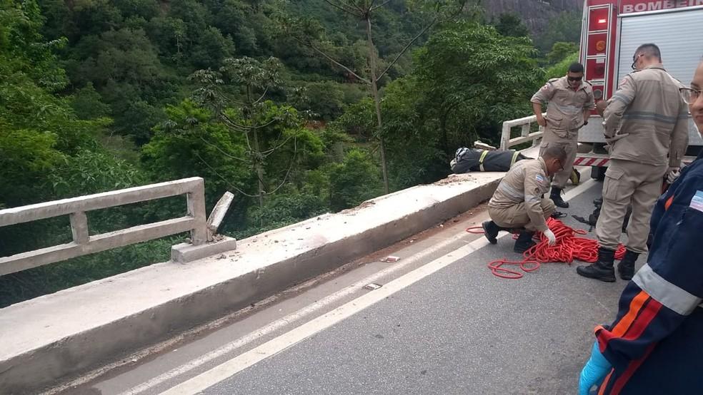 Resgate dos bombeiros na BR-262, em Venda Nova — Foto: Divulgação