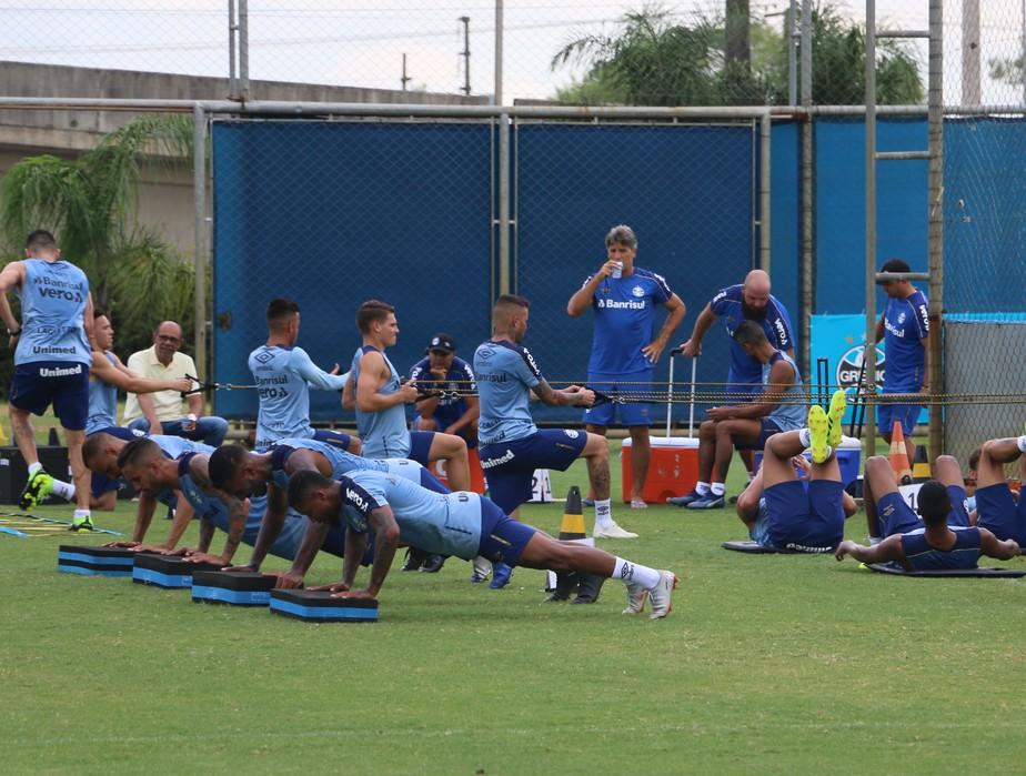 Meio encorpado: como Renato pode encaixar Rômulo e Montoya no time do Grêmio