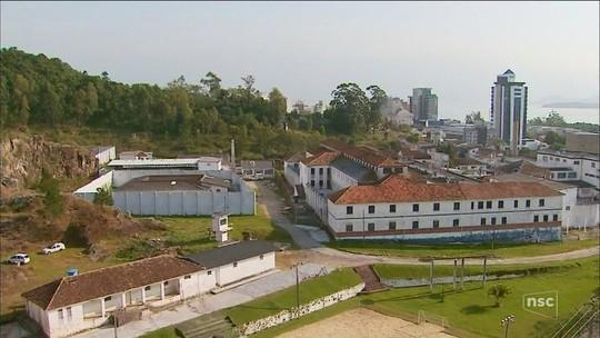 Impasses dificultam construção de novos presídios na Grande Florianópolis